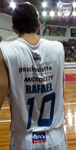 Rafael e a camisa 10: reescrevendo a história