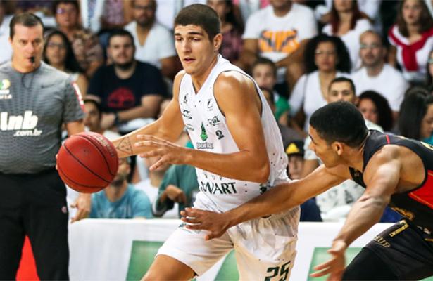 Bauru na semifinal do NBB: Gabriel Jaú foi destaque
