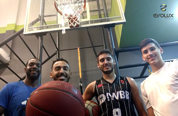 academia Evolux - basquete
