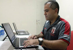 Atuando no Botafogo de Ribeirão Preto, último clube antes de sair do Brasil. Foto: Divulgação