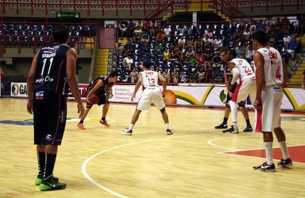 Clique de Rafael Antônio/Jornada Esportiva: com o esporte bauruense onde ele estiver