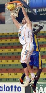 Cravada de Léo Eltink. Foto de Caio Casagrande/Bauru Basket