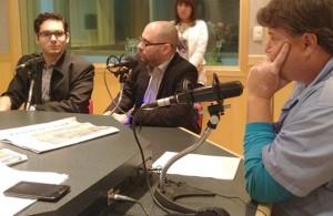 João Gabriel e Claudio Bahia durante entrevista a Emerson Luiz. Foto: 94FM