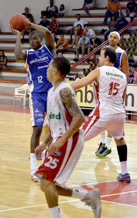 Mathias e Jefferson também foram decisivos. Fotos: Henrique Costa/Bauru Basket