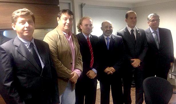 Reunião em Brasília (a partir da esquerda): Márcio Teixeira, Roger Barude, Rodrigo Agostinho, Vinicius Carvalho e Henrique Crivelli. Foto: Divulgação