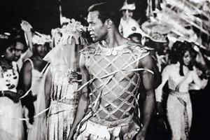 Campeão gaúcho Breno Mello no carnaval do Rio