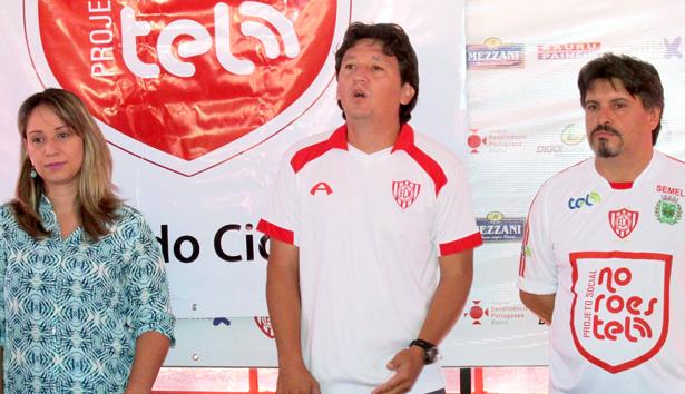 Evento de lançamento do projeto, dia 28 de março: a diretora de comunicação da TEL, Luciana Correia, o gerente de futebol do Noroeste, Luciano Sato, e o coordenador do projeto Noroestel, Daniel Rufino