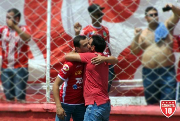 Abraço do presidente (Emilio) e do vice (Rafael): devolvendo o Noroeste a Bauru