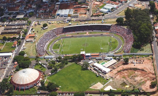 Alfredão lotado na volta à elite, em partida contra o Corinthians. Foto: Juliana Lobato