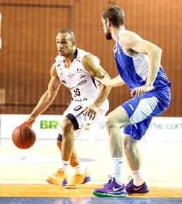 Alex foi o cara do jogo 4. Fotos: Caio Casagrande/13 Comunicação/Bauru Basket