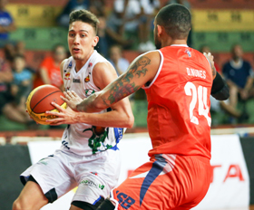 Henrique Cerimellii tem se destacado nos tiros de três. Fotos: Caio Casagrande/13 Comunicação/Bauru Basket