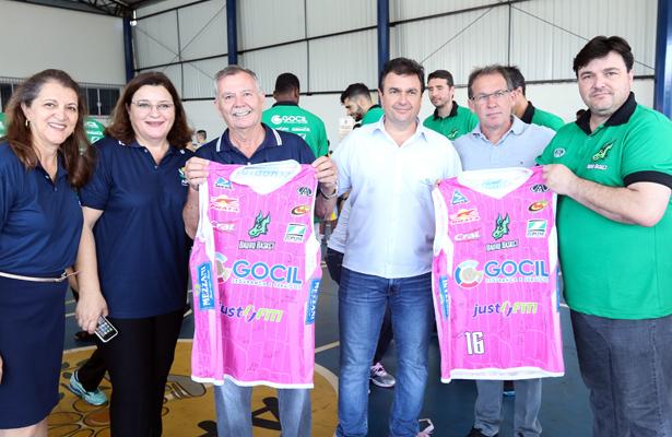 Diretores foram presentados pelo diretor Vitinho Jacob com camisas do Dragão