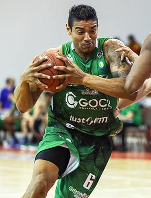 Shiltão: agora vai. Fotos de Caio Casagrande/Bauru Basket