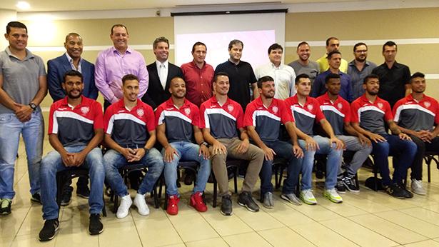 Copa Paulista: ova diretoria, membros da comissão técnica e alguns jogadores do Noroeste